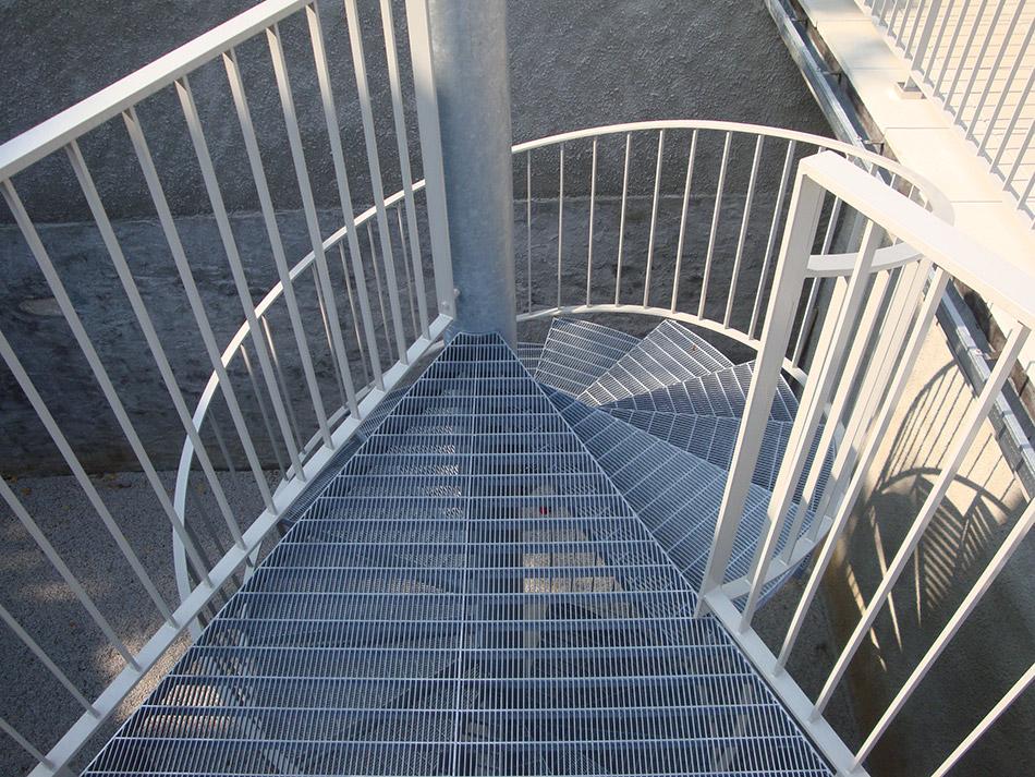 Scala Da Esterno In Ferro : Fasana costantino srl esempi di scale in acciaio